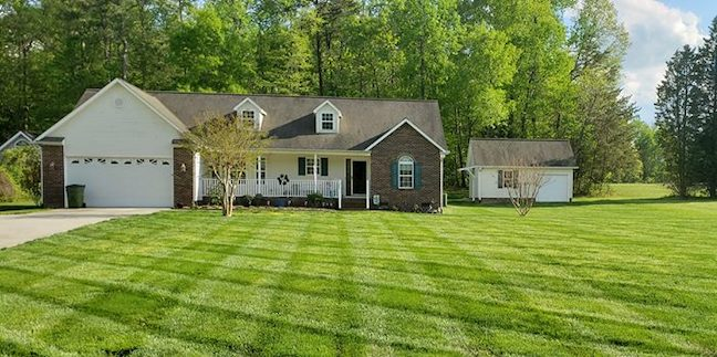 Get Affordable Lawn Care by GreenPal 6